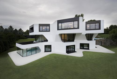 Self storage and the minimalist home