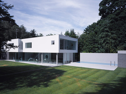 Luxury mansions celebrity homes esher house surrey uk for Minimalist homes for sale