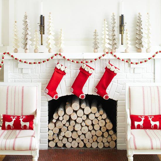 Color-Inspiration-For-Christmas-Fireplace-Decoration-5-white-and-red-color-theme