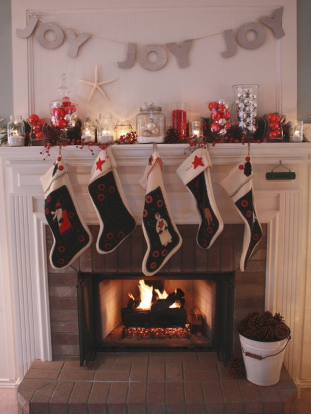 RMS-homerestyle_joy-holiday-mantel_s3x4_lg