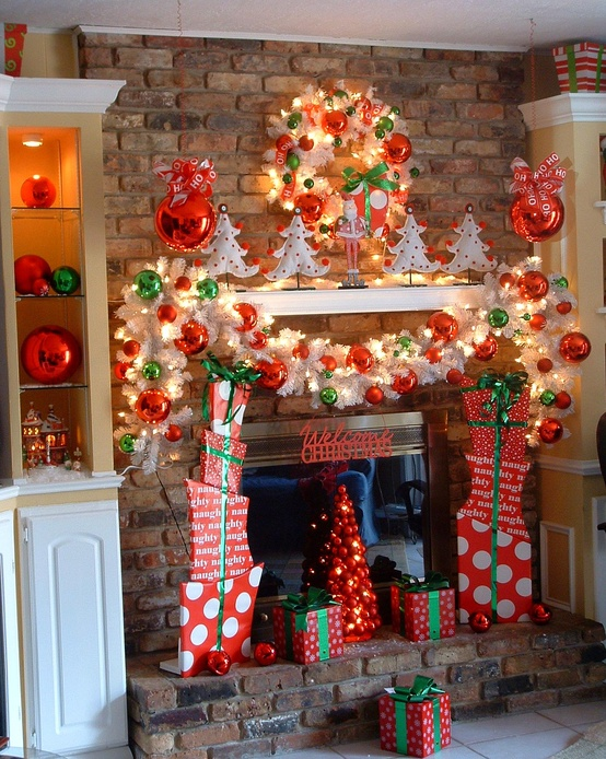 50 beautiful fireplaces mantels to inspire you this christmas for Images of fireplace mantels decorated for christmas