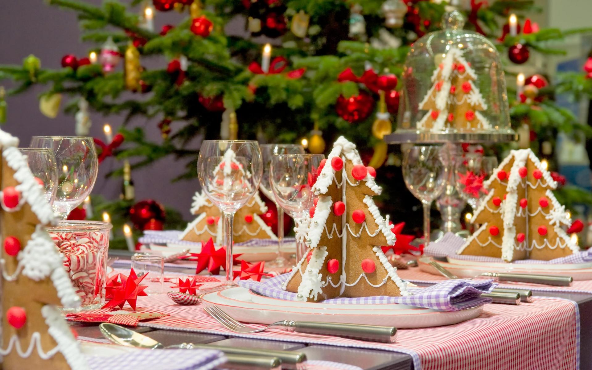 christmas-treats-and-smiles-wallpaper