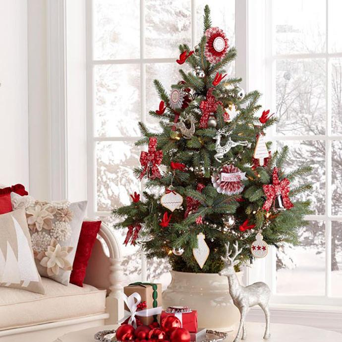 30 Festive Christmas Tree Decoration Ideas