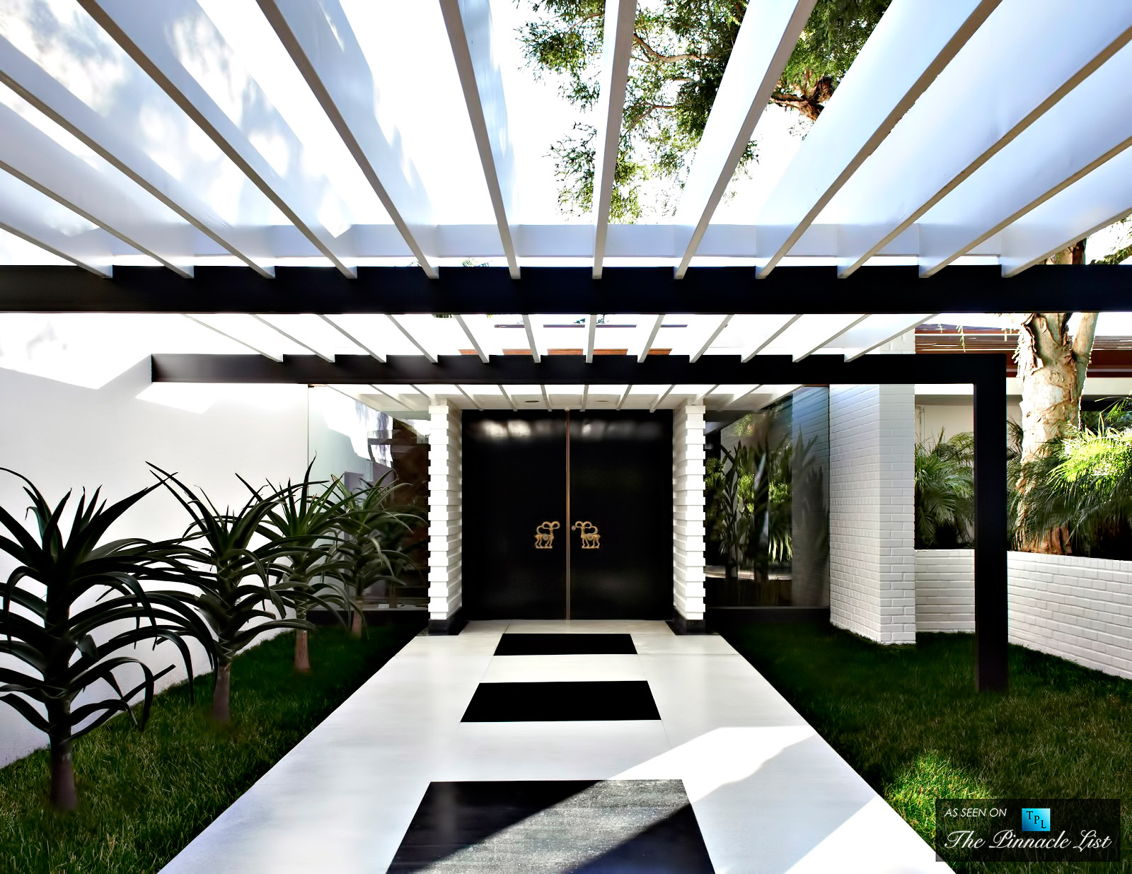 01-Ellen-DeGeneres-Brody-House-Residence-–-Holmby-Hills-Los-Angeles-CA