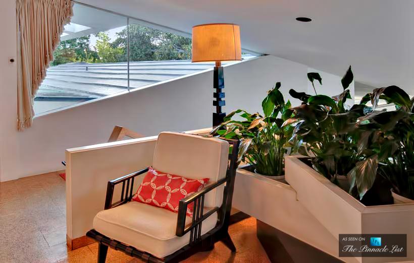 08-Ellen-DeGeneres-Brody-House-Residence-–-Holmby-Hills-Los-Angeles-CA