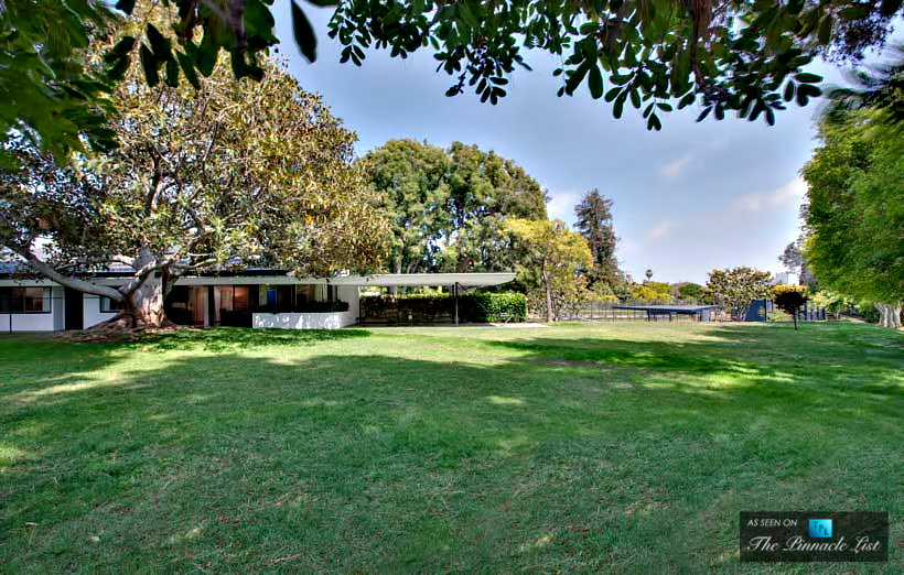 14-Ellen-DeGeneres-Brody-House-Residence-–-Holmby-Hills-Los-Angeles-CA