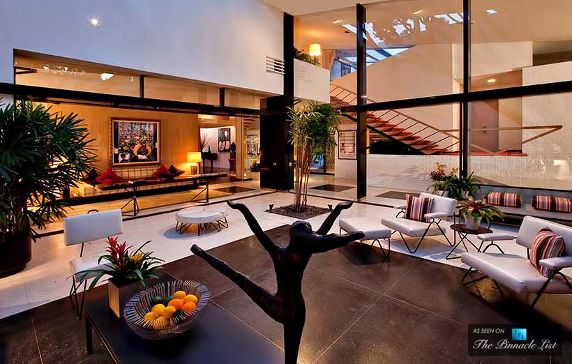 18-Ellen-DeGeneres-Brody-House-Residence-–-Holmby-Hills-Los-Angeles-CA