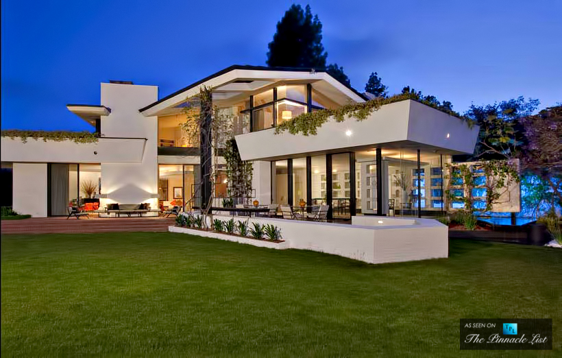 Luxury mansions celebrity homes inside ellen degeneres for Celebrity houses in los angeles