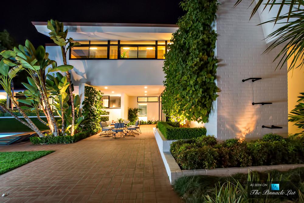 27-Ellen-DeGeneres-Brody-House-Residence-–-Holmby-Hills-Los-Angeles-CA