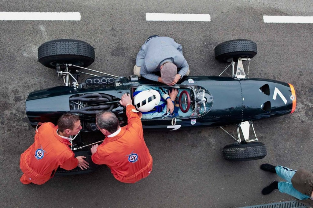 BRM-P261-being-worked-on-in-the-alt-pitlane-Rev-09