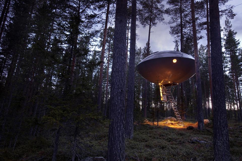 UFO treehouse sweden