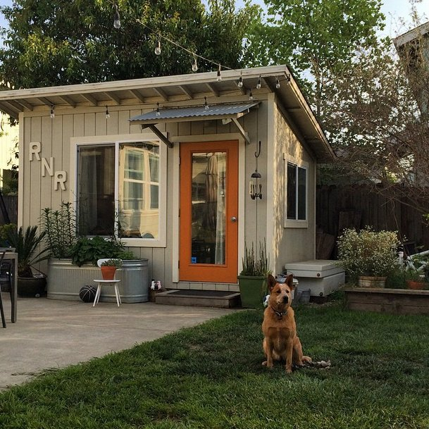 craftsman-style-She-Shed-makes-its-intentions-clear-large