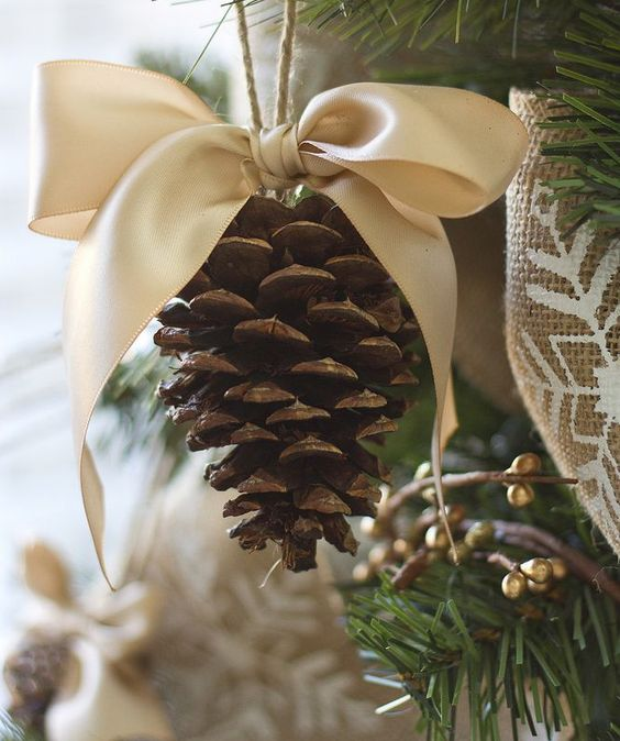 Pine Cone Bown Ornament Dream Tree Challenge