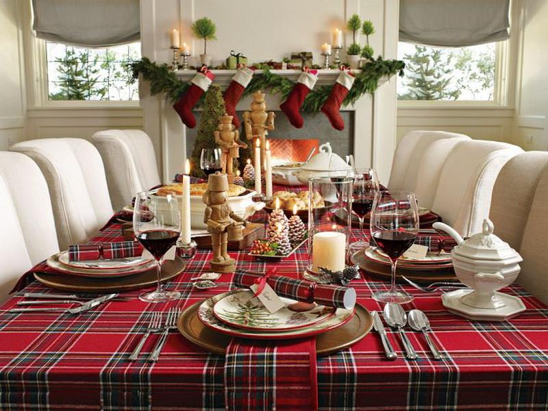 simple dining room decoration for christmas