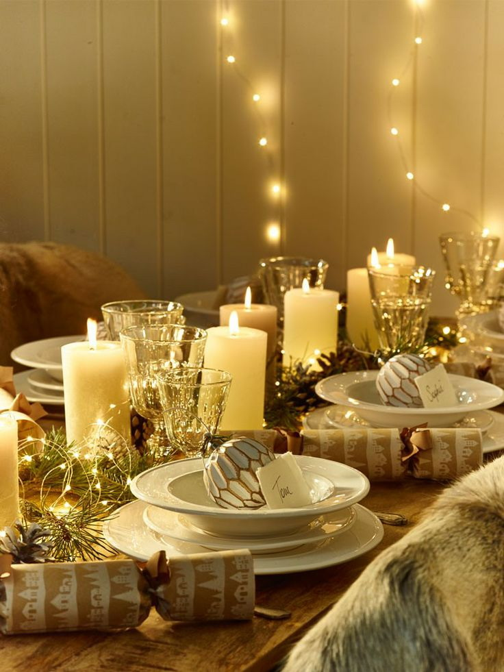 21 amazing creative christmas dining table ideas for Deco lumineuse exterieur