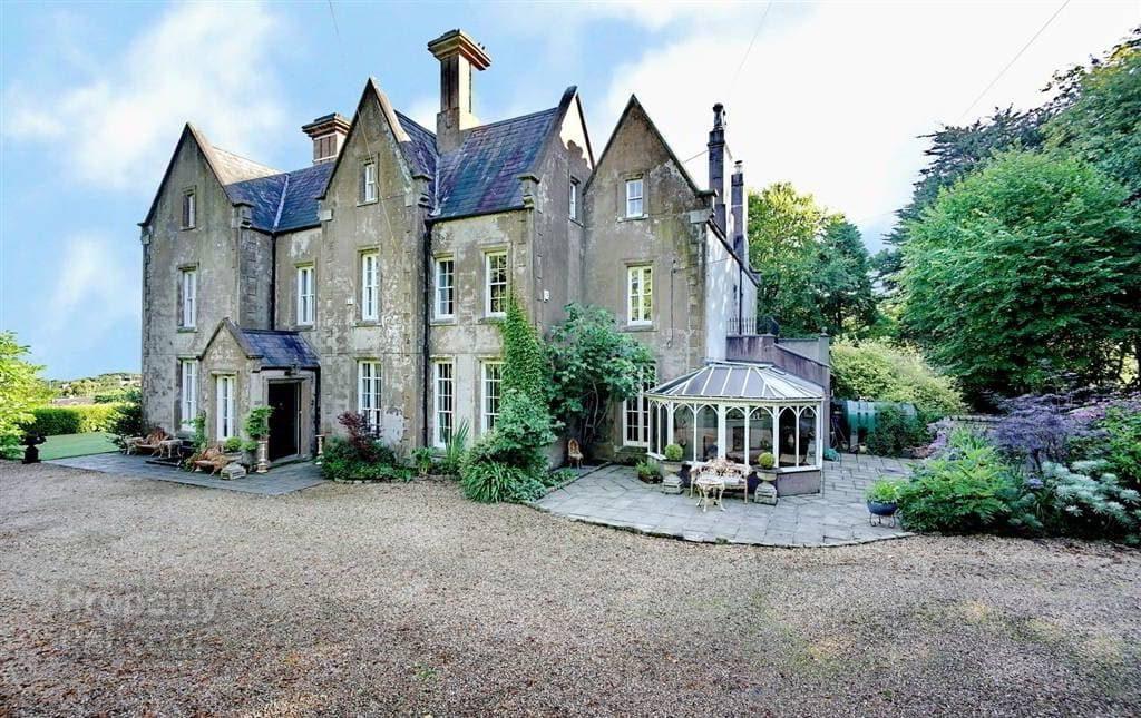 4 Tudor Park, Holywood