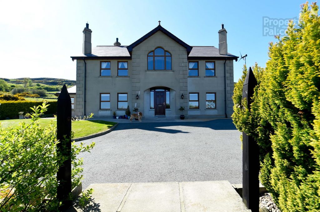 14 Largy Road, Castlewellan1